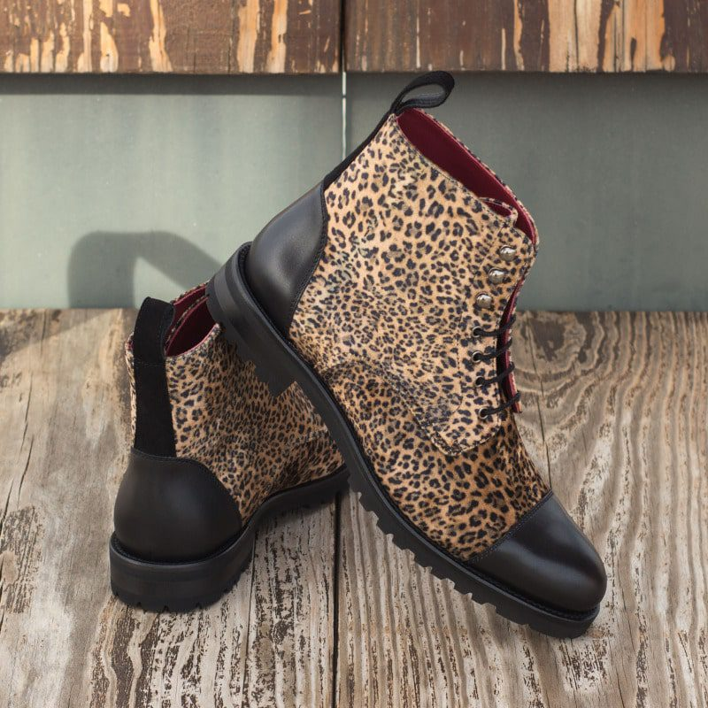 The Women's Lace Up Captoe Boot Model 3894