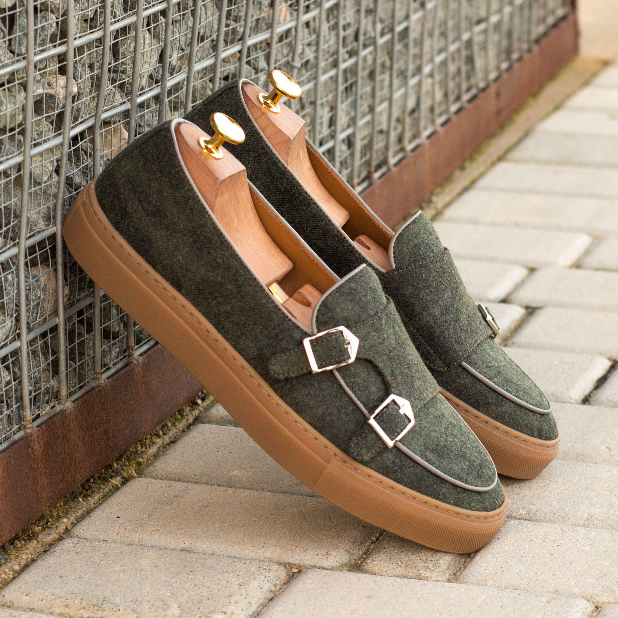 The Monk Sneaker Model 3946